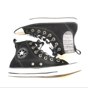 Converse size 7 High-Top Shearling Lined Sneakers